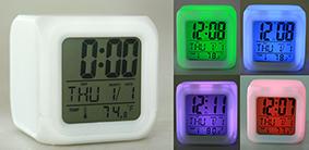 Электронная метеостанция 8*8*8см: часы, термометр, календарь, будильник