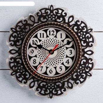 Часы, 24x24 см, завитушки