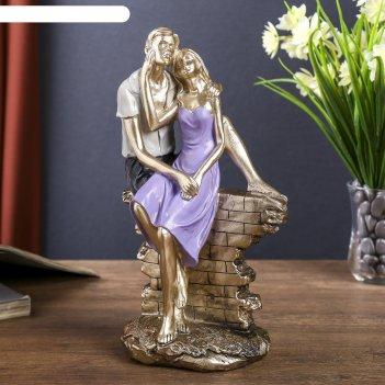 Сувенир полистоун романтичная пара на кирпичной изгороди 23,5х14,5х8 см