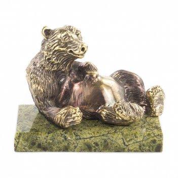 Статуэтка медведь лежит бронза змеевик 70х45х60 мм 300 гр.
