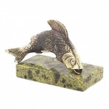 Статуэтка рыбка бронза змеевик 65х25х40 мм 75 гр.