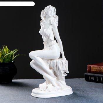Статуэтка девушка на скале, большая, белая