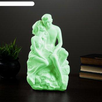 Светящаяся фигура влюбленные на камне 13х17х31см
