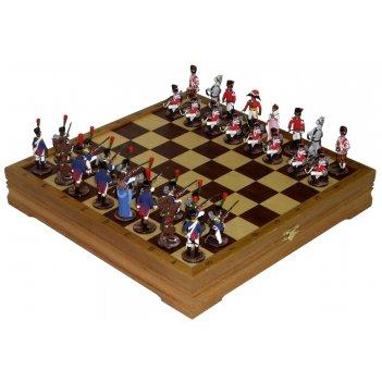 Шахматы исторические с фигурами из олова покрашенными в полу коллекционном