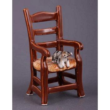 Фигурка кошки на стуле высота=9 см.(кор=144шт.)