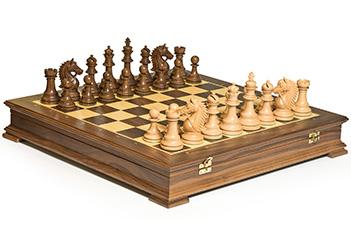 Эксклюзивные резные шахматы честерфильд венера, орех, клен 50см