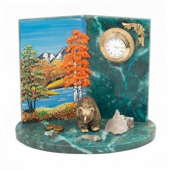 Часы медведь змеевик 190х130х160 мм 1550 гр.