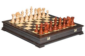 Эксклюзивные резные шахматы честерфильд венера, падук, клен 50см