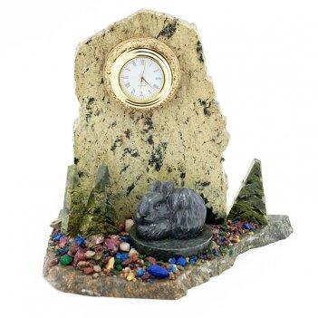 Часы заяц камень змеевик