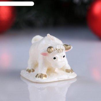 Свеча декоративная бычок на снегу, микс, 6x6,5x5 см