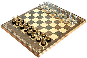 Шахматы исторические ледовое побоище с фигурами из покрашенного цинковог