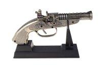 Сувенирное оружие, пистолет - зажигалка пьезо (ствол с кольцами), под черн