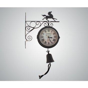 Часы настенные на кронштейне