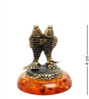Am-1783 фигурка знак зодиака-рыбы (латунь, янтарь)