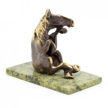 Статуэтка конь думающий бронза змеевик