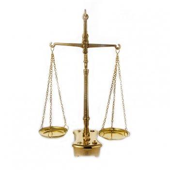 Весы с чашами 35х22см.