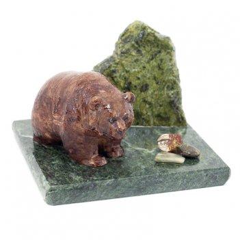 Сувенир мишка у камня змеевик