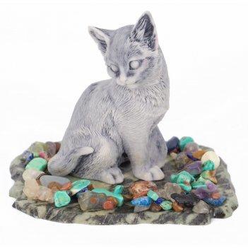 Сувенир кошка змеевик мрамолит самоцветы 100х80х85 мм 180 гр.