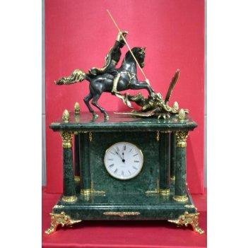 Часы из мрамора с фигуркой георгия-победоносца