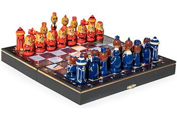 Шахматы подарочные матрешки ссср - сша 30х30см ручная роспись