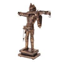 Сувенирное изделие рыцарь с арбалетом в доспехах