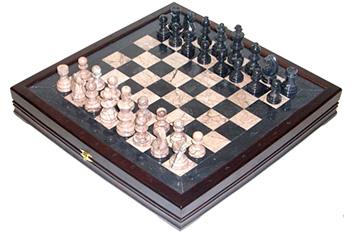 Шахматы из камня славянские (высота короля 3,50) 43х43см