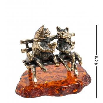 Am-1055 фигурка коты пара с сердцем (латунь, янтарь)