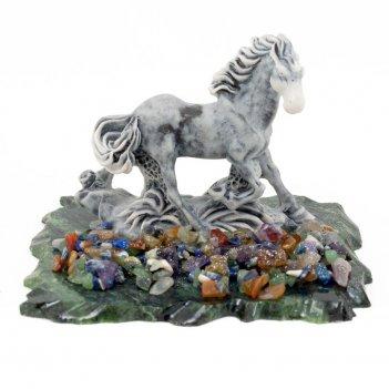 Сувенир скачущая лошадка