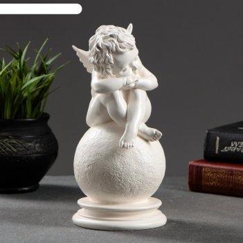 Статуэтка ангел на шаре белый