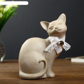 Сувенир полистоун кошка с бантом и колокольчиком жмурится 18х14х8,5 см