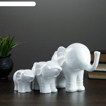 Фигура семья слонов набор белый 30х20х13см