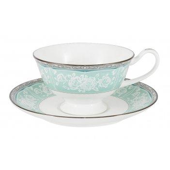 Чашка с блюдцем прикосновение