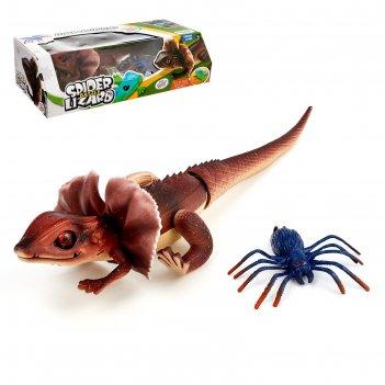 Набор животных ящерица против паука, работает от батареек