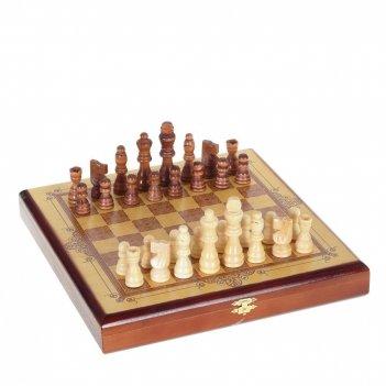 Хьюмидор деревянный с кожаной отделкой тиснение под крокодила),на 85 сигар