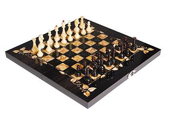 Шахматы из янтаря флора, мореный дуб, янтарь, 56х56см