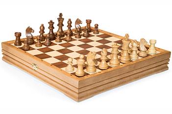 Шахматы классические малые деревянные 37х37см