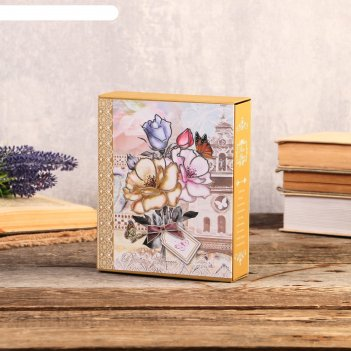 Фотоальбом на 40 фото 10х15 см букет с открыткой в коробке с зол.обводкой