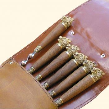 Шампура с деревянной ручкой 6 шт. вколчане изнатуральной кожи (волк)