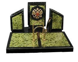 Письменный прибор бумажница с гербом и календарь