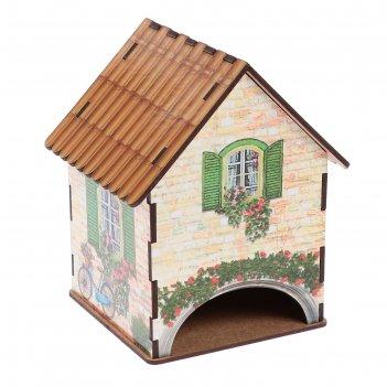 Чайный домик домик с зелеными ставнями  и велосипедом 15х10х10 см