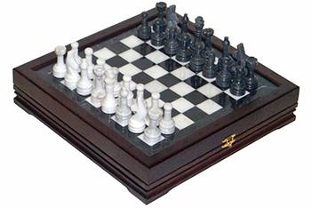 Шахматы каменные малые (высота короля 3,10) 34х34см