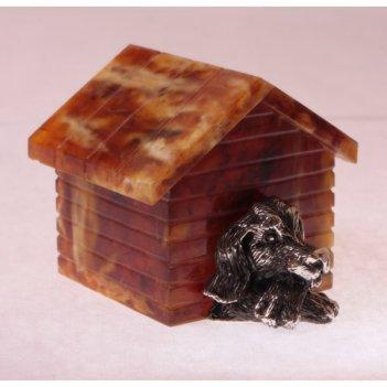 Сувенир пес в будке из янтаря