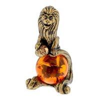 Сувенир из латуни и янтаря лев с камнем 2х3,6 см
