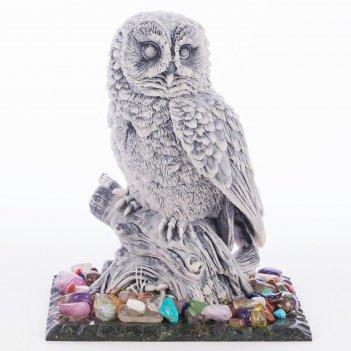 Сувенир сова №2 змеевик мрамолит самоцветы 100х80х115 мм 390 г