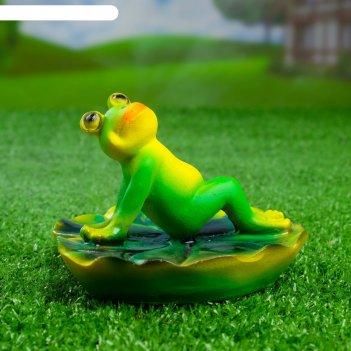 Садовая фигура лягушка загорает 15х10см