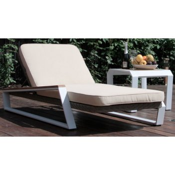 Кресло шезлонг лежак раскладное из ротанга teakman (ожидается поступление