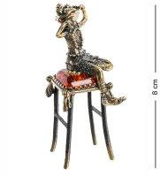 Am-1090 фигурка лягушка на табуретке (латунь, янтарь)