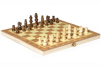 Шахматы мини в дер кор размер поля 24х24см