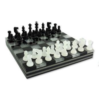 шахматы из мрамора