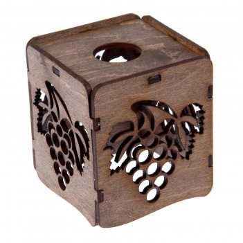 Плафон деревянный виноград